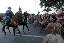 Pueblos originarios contra la policía - Brasil